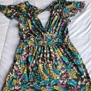 Dresses & Skirts - Cute floral jumper